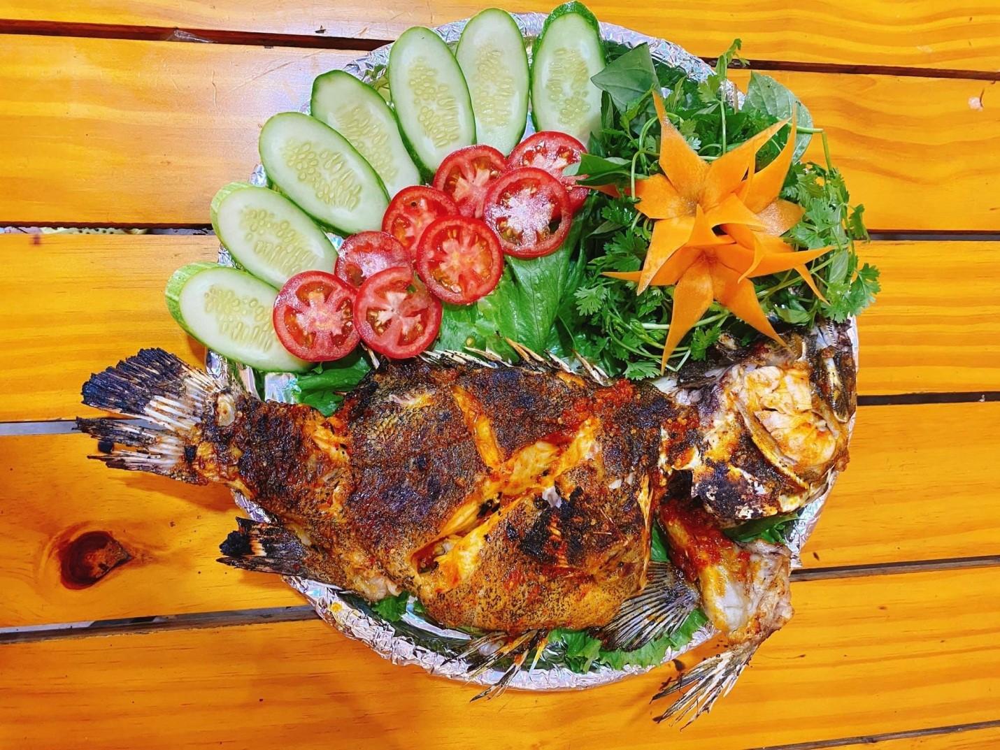 ăn gì ở hồ tràm seafood