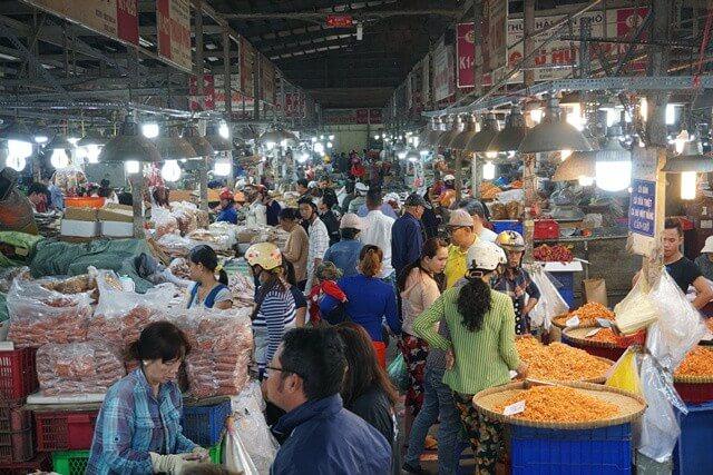 mua mực khô tại chợ đầu mối Bình Điền