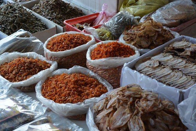 mực khô ở chợ Lạc Tánh
