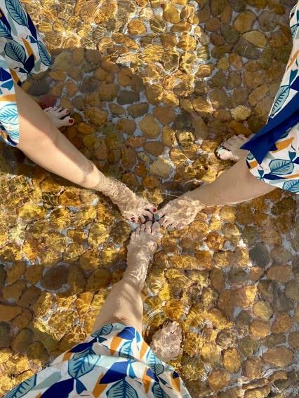 giá vé ngâm chân tại suối nước nóng Bình Châu